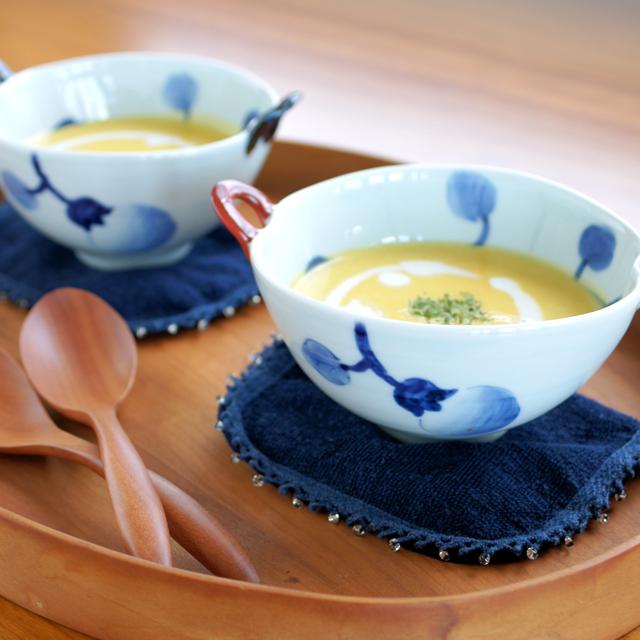 【和食器通販ショップ 藍土な休日】 皓洋窯 なす絵耳付スープ碗(青・赤)